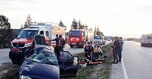 İzmir'de otomobil takla attı :6 yaralı