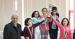 Karaman'da okullararası satranç il birinciliği müsabakaları sona erdi