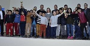 Küçükler satranç takım turnuvası sona erdi
