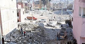 Mersin Büyükşehir Belediyesi, yeni cadde ve sokaklar açmayı sürdürüyor