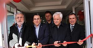 Milletvekili Metiner özel kurs merkezinin açılışını yaptı
