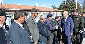 Niğde Valisi Ertan Peynircioğlu, belde ziyaretlerini sürdürüyor