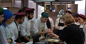Öğrenciler Çerkes yemeklerini tanıdı