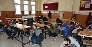 Öğrenciler deprem ve yangın tatbikatıyla bilinçlendi