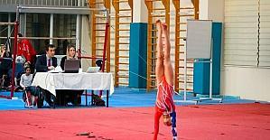 Okullar Arası Kız- Erkek Yıldız Jimnastik Şampiyonası yapıldı