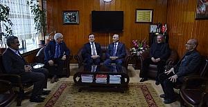 Rektör Kızılay'dan esnaf kuruluşlarına ziyaret