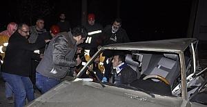 Seydişehir de iki otomobil çarpıştı:...