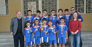 Söke Sazlı Ortaokulu'nun voleybol başarısı
