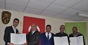 Tarsus'ta 97 kişiye tapuları verildi