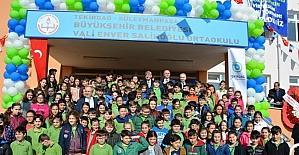 Vali Enver Salihoğlu Ortaokulu Milli Eğitime teslim edildi