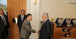 Vali Kamçı Azeri vekili konuk etti