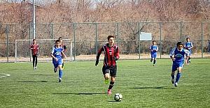 Yıldız Erkekler Futbol İl Birinciliği Müsabakaları devam ediyor