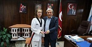 Zehra Arı, Osmaneli'ne iki madalya daha kazandırdı