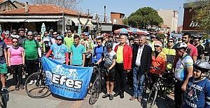 250'ye yakın bisikletçi 'doğa için' pedala bastı