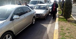 4 aracın karıştığı kazada maddi hasar oluştu