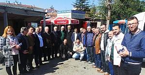 """AK Parti Trabzon Milletvekili Balta """"Evet"""" için Ortahisar'ı arşınladı"""