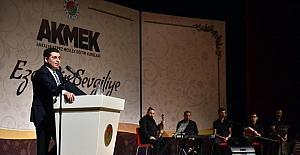 AKMEK öğrencileri sahnede