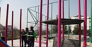 Başiskele'de parklarda bakım ve onarım çalışması