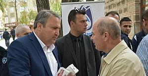Başkan Çerçi'den vatandaşa şerbet ve simit ikramı