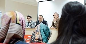 Başkan Karatay gençlere yeni anayasa ve cumhurbaşkanlığı hükümet sistemini anlattı