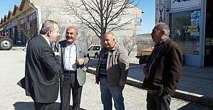 Başkan Şahiner traktör galericiler sitesini ziyaret etti