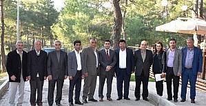 Başkan Uğurlu ve AK Partili Sürekli muhtarlarla buluştu