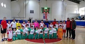 Çamlıca Okulları hentbol da il üçüncüsü oldu
