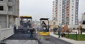 Erdemli'de asfalt çalışmaları devam ediyor