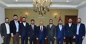 Genç MÜSİAD'ın yeni yönetimi, Vali Çakacak'ı ziyaret etti