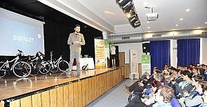 Güvenli bisiklet sürmenin püf noktaları