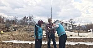 Hisarcık'ta meyve budama ve eğitim çalışması