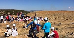 İlkokul öğrencileri 400 adet fidan dikti