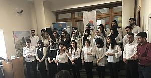 İşaret dili öğrencilerinden muhteşem koro