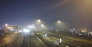 İstanbulda sis etkisini sürdürüyor