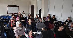 Kadın çiftçilere girişimcilik kursu