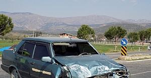 Karacasuda trafik kazası; 4 yaralı