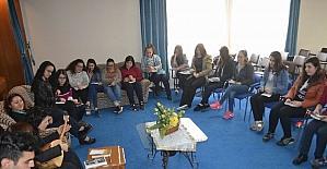 Kitap okumayı seven öğrenciler bir araya geldi