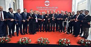 Modeko İzmir Mobilya Fuarı kapılarını açtı