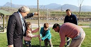 Osmaneli'de Orman Haftası ağaç dikilerek kutlandı