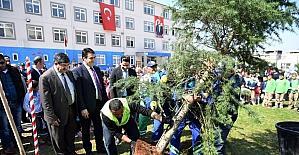 Osmangazi'de okul bahçeleri yeşilleniyor