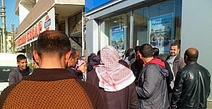 Suriyelilere bankamatik kartı