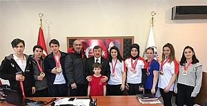 Yalovalı bilek güreşçileri Antalya'dan 26 madalya ile döndü