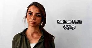 Yolda erkek arkadaşı tarafından şiddete uğrayan kadını, onlarca insan görmezlikten geldi