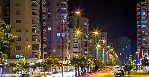 Adana'ya iki yılda 22.6 milyon liralık aydınlatma yatırımı yapıldı