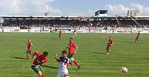 Amed Sportif Play Off'a kaldı