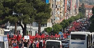 Aydın'da binler 57. Alay şehitleri için yürüdü