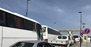 Çanakkale'de araç kuyruğu