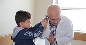 Çocuklar doktor oldu doktorları muayene etti