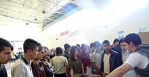 Fen Lisesi öğrencileri bilimsel çalışmalarını sergiledi