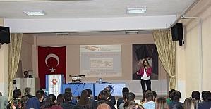 Gediz MYO öğrencilerine 'evlilik ve aile hayatı' konulu seminer